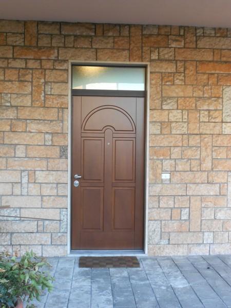 Porte blindate longoni serramenti grate di sicurezza - Sopraluce porta ...