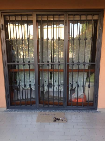 Grate e inferriate di sicurezza longoni serramenti - Sbarre di sicurezza per finestre ...