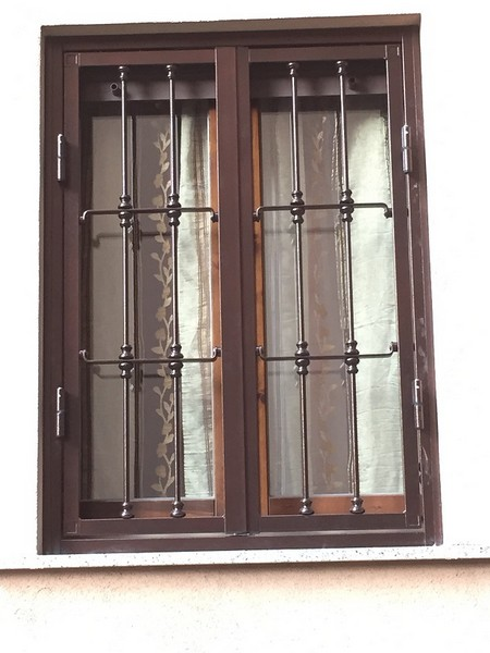 I nostri lavori longoni serramenti grate di sicurezza porte blindate porte interne infissi - Grate finestre prezzi ...